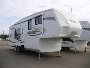 **$138 b/w (oac)** WINTERIZED 5th WHEEL, 2 SLIDES, SLEEPS 4