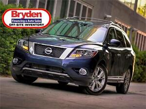 2016 Nissan Pathfinder SV / 3.5L v6 / 4x4 **Barely Used!**