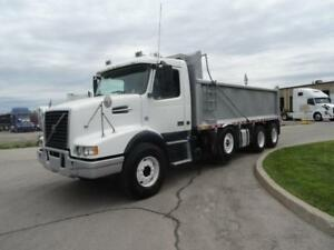 2013 Volvo VHD Triaxle Spif Dump Full Locks