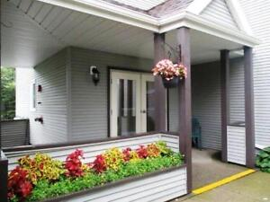 17-098 Well-kept 2 Bedroom Condo in Great Dartmouth Location