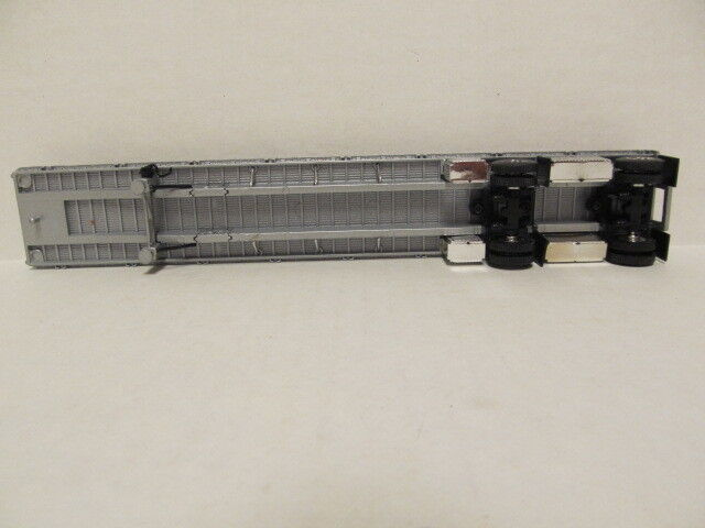 DCP 1/64 SCALE WILSON  ROAD  BRUTE  FLATBED  TRAILER  SILVER DECK, SILVER FRAME 5