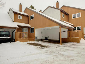 Fantastic Millwoods Townhouse