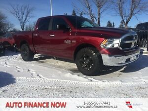 2016 Ram 1500 SLT 4X4 CREWCAB LOW KMS FACTORY WARRANTY