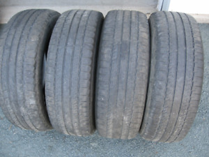 SET OF 4 BF GOODRICH LONG TRAIL T/A 225/65R17 $60 FOR ALL 4