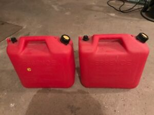20 litre / 5 gallon gas red cherry can