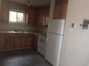 2 bdrm-quiet 4 appliance, laminte flooring