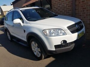 2010 Holden Captiva CG MY10 LX (4x4) White 5 Speed Automatic Wagon Campbelltown Campbelltown Area Preview