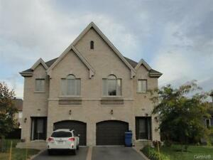 Brossard Beautiful Semi-detach house for rent from JULY 1st!