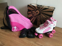GIRLS RIO ROLLER SKATES, SIZE 2, INCLUDES SKATE BAG & WRISTGUARDS