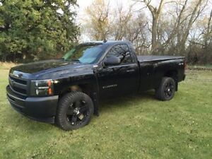 BLACKED OUT Chevrolet Silverado 1500 4x4 Pickup Truck