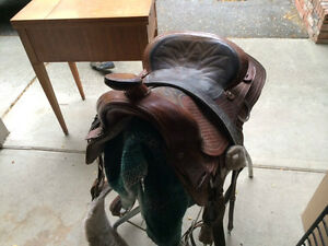 SADDLE With accessories - Pefect starter kit - Tipperary Helmet