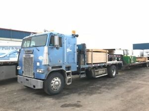 1992 Freightliner Cab-Over Flat Deck. Great Condition