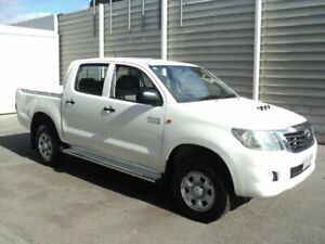 2013 Toyota Hilux KUN26R MY14 SR (4x4) White 5 Speed Manual Dual Cab Chassis Edwardstown Marion Area Preview