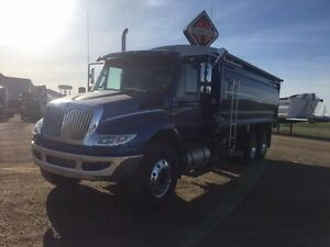 2017 International 4400 6x4, New Grain Truck