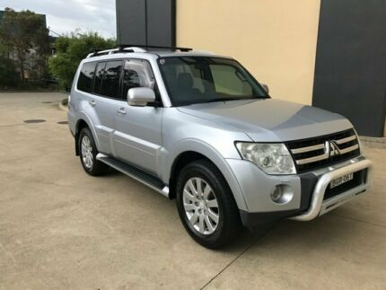 2007 Mitsubishi Pajero NS Exceed Wagon 7st 5dr Spts Auto 5sp 4x4 3.2DT Silver, Chrome
