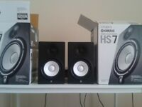 YAMAHA HS7 STUDIO MONITORS - (PAIR) 2 Months Old. Comes with original packaging. Pick Up Only.