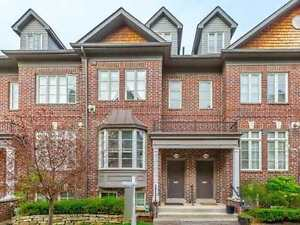 ~*~Tastefully Upgraded Executive Townhome ~ MUST SEE!~*~