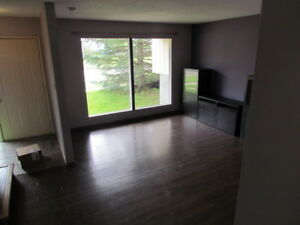 Duplex for rent in Tofield