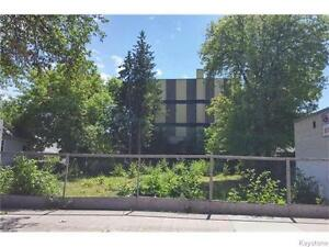 63x93 C-2 ZONED BUILDING LOT ON SELKIRK AVE