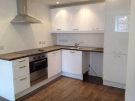 Modern 1 Bedroom Flat in Private Complex Close to Royal Gwent Hospital and City Centre