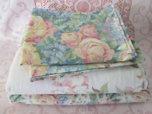 Retro Sheridan Queen Size Flat Sheets & Pillowcases. Morayfield Caboolture Area Preview