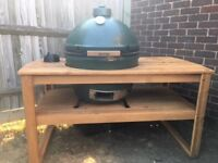 Big Green Egg XL - With Table and Many Accessories