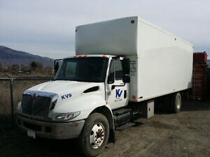 2005 International 4300 5 ton truck