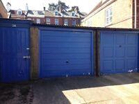 Garage to rent in Powderham Crescent