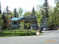 Beautiful well maintained property- country bungalow - Fitzroy