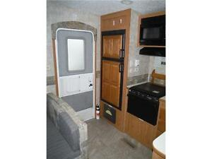 2007 Pilgrim 252RKS Rear kitchen 5th Wheel Trailer with slideout Stratford Kitchener Area image 5