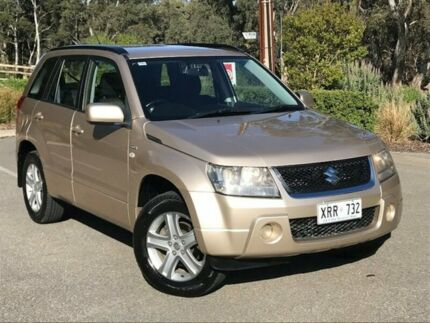 2007 Suzuki Grand Vitara Gold Manual Wagon