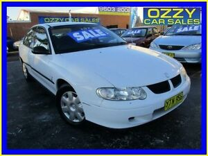 2002 Holden Commodore VX II Executive White 4 Speed Automatic Sedan Minto Campbelltown Area Preview