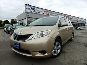 2011 Toyota Sienna LE ONE OWNER  7-Pass Van CERTIFIED E-TESTED