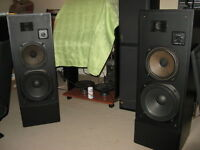 TOWER SPEAKERS T -110 REALISTIC 2 WAY & 10 INCH ACTIVE WOOFER