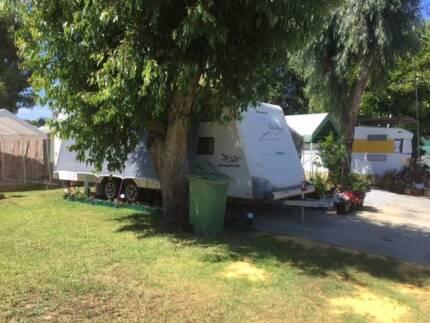 Inexpensive Caravan Living - Midland Tourist Park