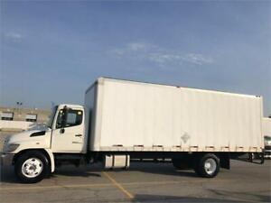 2009 Hino 358 - Straight Truck - 26 ft Box - Air Brakes - Auto