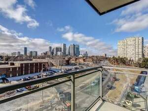 PRICED TO SELL 1 Bedroom Condo Over Looking Downtown Mississauga