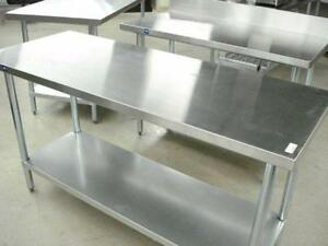 Table de Travail en Acier Inoxydable / Stainless Steel Worktable