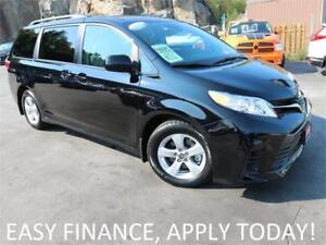 2018 Toyota Sienna LE ALLOYS! DRIVER ASSIST TECH! HEATED SEATS!