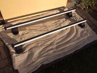 Thule Rapid System car roof rack bars plus locks