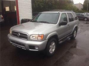 2002 NISSAN PATHFINDER SE 4X4, SUNROOF, MINT CONDITION, NO RUST!
