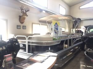 2017 Princecraft Vectra 21 Pontoon Boat
