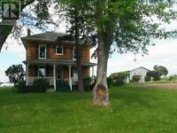 Beautiful Country Home on 50 Acre Farm 15 min from Peterborough