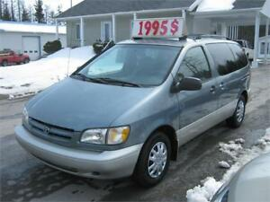 Toyota Sienna LE 2000 PETIT BUDGET !!!