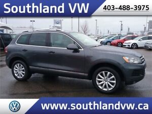 2014 VW Touareg Highline  **LEATHER-NAV-SUNROOF**