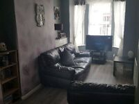 Looking To downsize? 2 bed ormeau road available to swap
