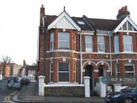 3 bedroom flat in Queens Park Road, Brighton, BN2 (3 bed)