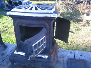 Antique Style Wood Stove  Woodstove Kitchener / Waterloo Kitchener Area image 3