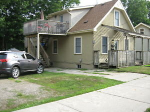 LARGE 3 BEDROOM APARTMENT-UTILITIES INCLUDED-NORTH
