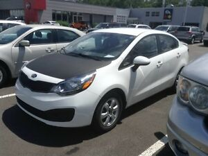 2013 Kia Rio LX, AM/FM/RADIO/CD, ABS, MAG